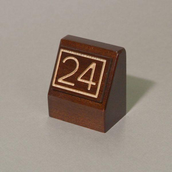 Peana número mesa madera