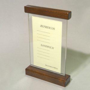 Porta-menú metacrilato y madera