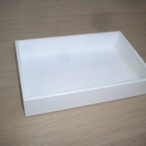 Bandeja para cubiertos lacada en blanco