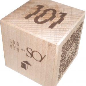 codigo QR cubo macizo de madera de haya