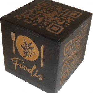codigo QR cubo macizo de madera de chopo
