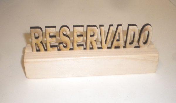 letrero reservado mesa